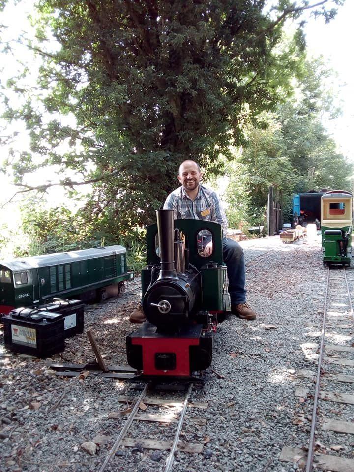 top field light railway minaiture mayhem gala feldbahn