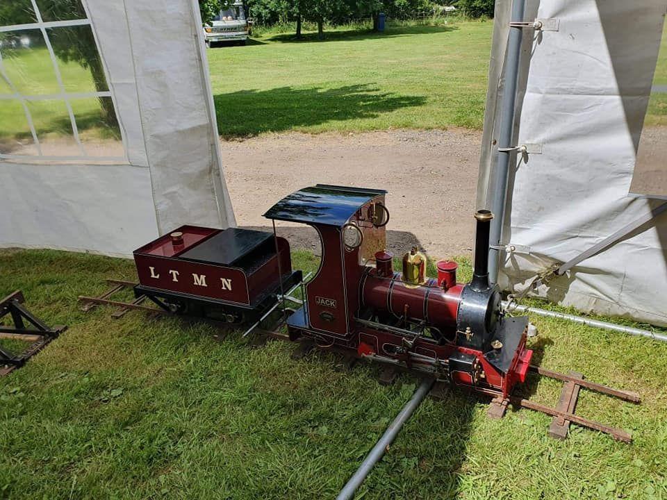 top field light railway jack